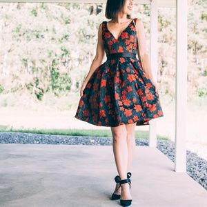 Dresses & Skirts - V Neck Fit and Flare Party Dress